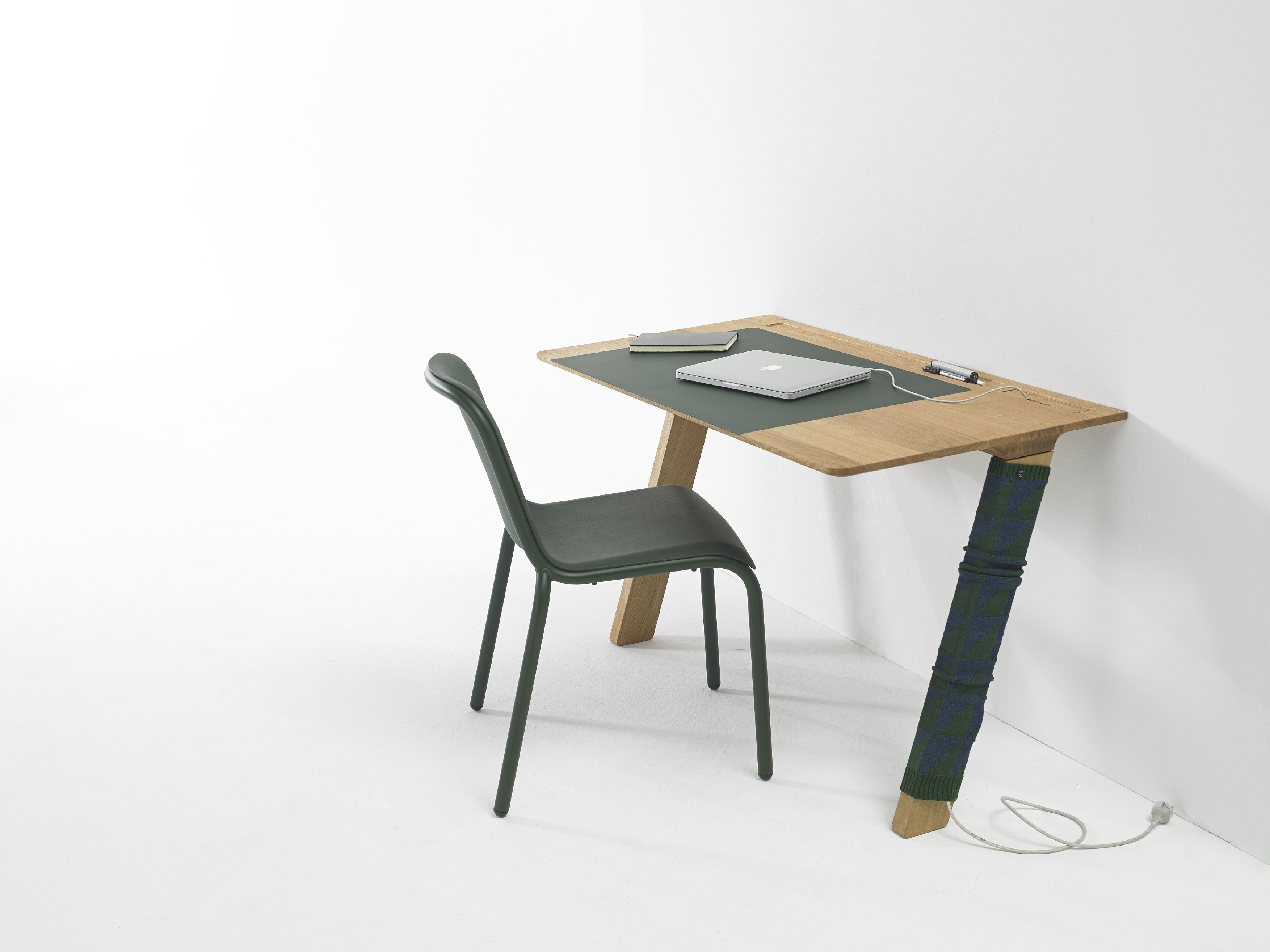 zeta desk chair padded dining chairs joy leibal is a minimalist design created by netherlands based designer arco the
