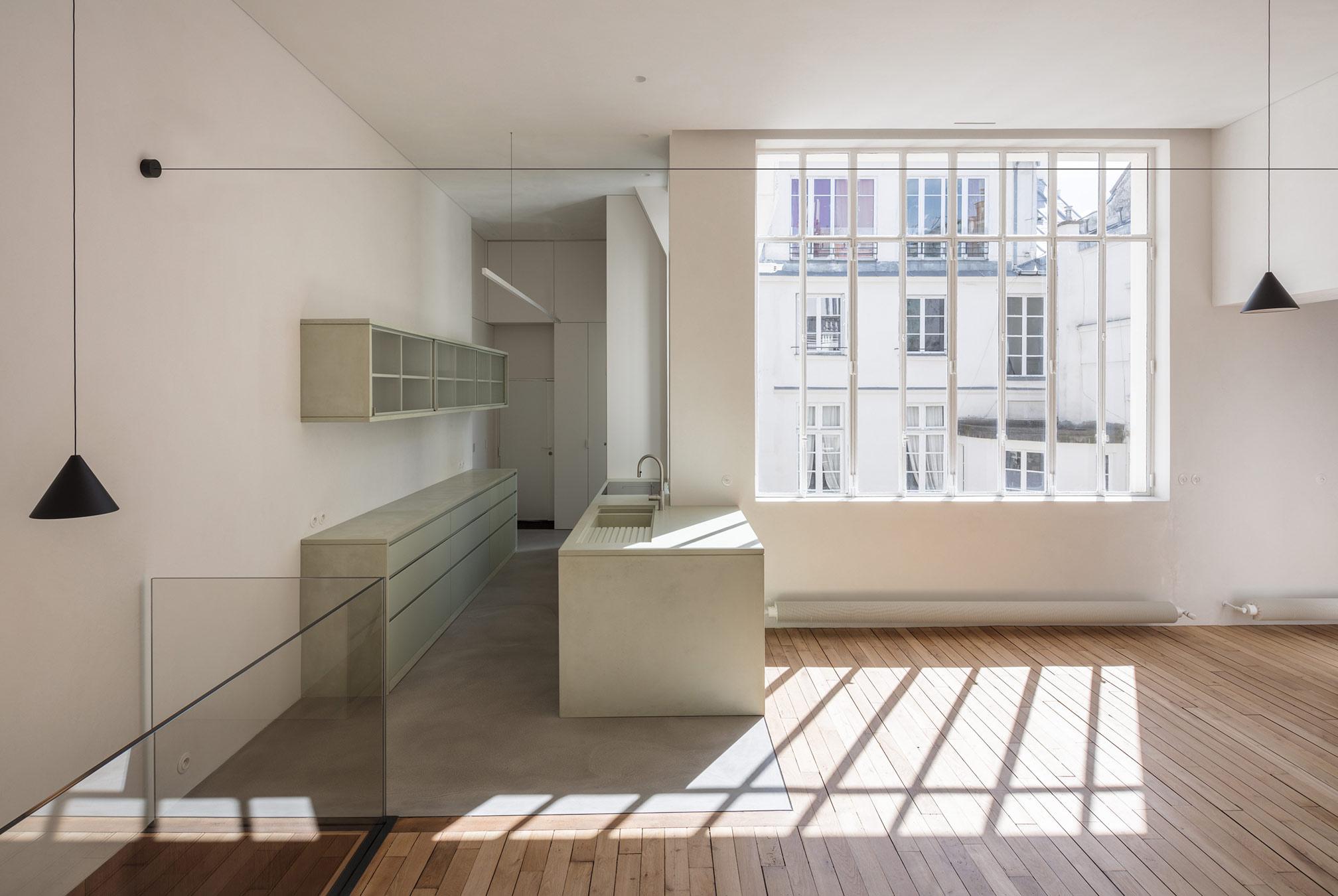 Rue de Cond Duplex Apartment  Leibal
