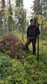 Leica-Hunting-Blog_Chris-Rogers_in-Swedish-forest-klein