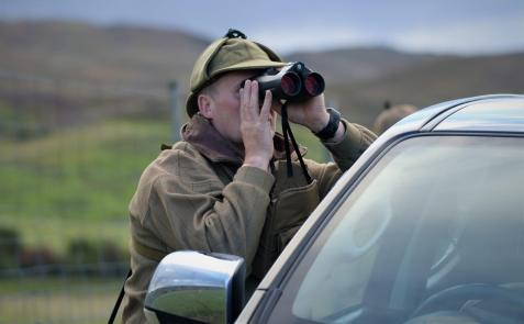 Leica-Hunting-Blog_Niall-Rowantree_Geovids_Credit-Fieldsports-Channel-klein
