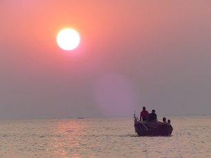 Blog_boat-sunset-1025x769