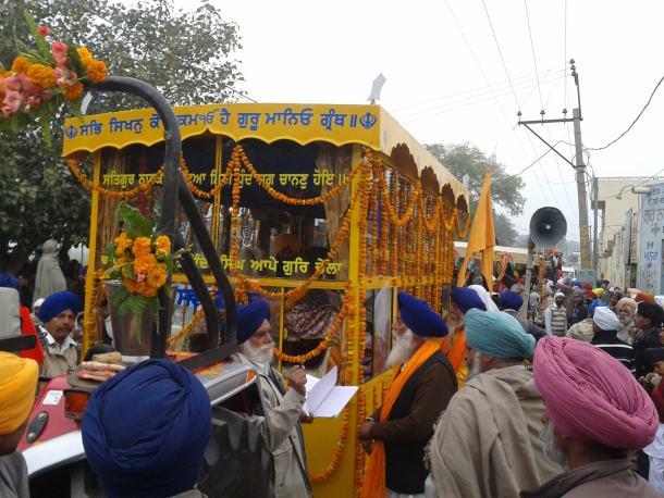 Nagar_Kirtan_Ceremony,_Thathi_Bhai.jpg