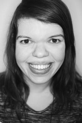Porträtbild in schwarz weiß von Anna Spindelndreier