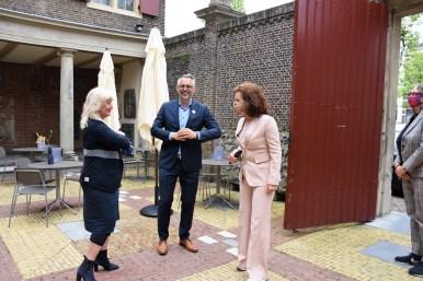 Lakenhal bezoek minister Ingrid van Engelshoven(7)