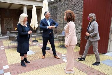 Lakenhal bezoek minister Ingrid van Engelshoven(10)