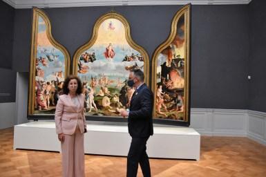 Lakenhal bezoek minister Ingrid van Engelshoven(49)