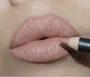 Motives Neutral Lip Crayon