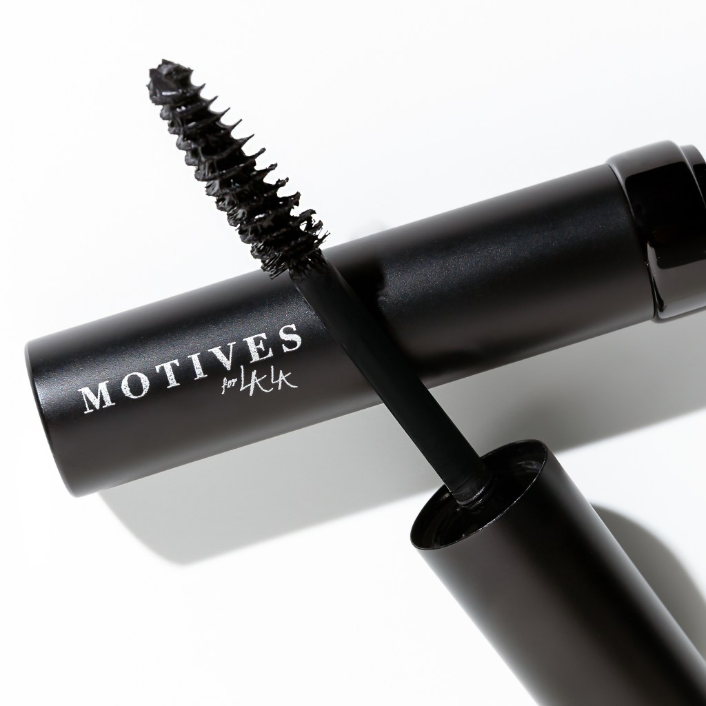 Motives for La La Mineral Volumizing & Lengthening mascara