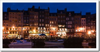 Honfleur port at night