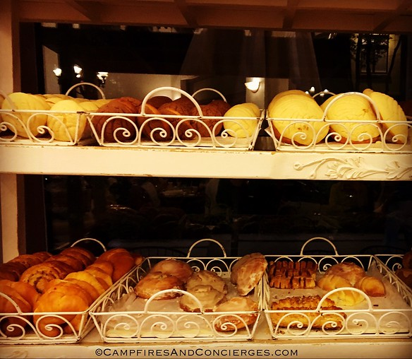 Maque bakery in Condesa - stocking up for the next day's breakfast