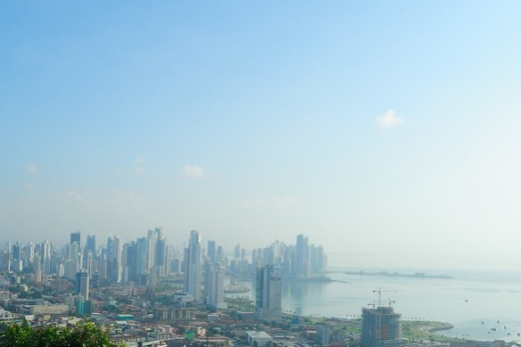 Barefoot Panama City and Canal TourCerro Ancon