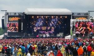 Festivals verbieden selfie sticks | pinkpop-selfie-stick-300x180
