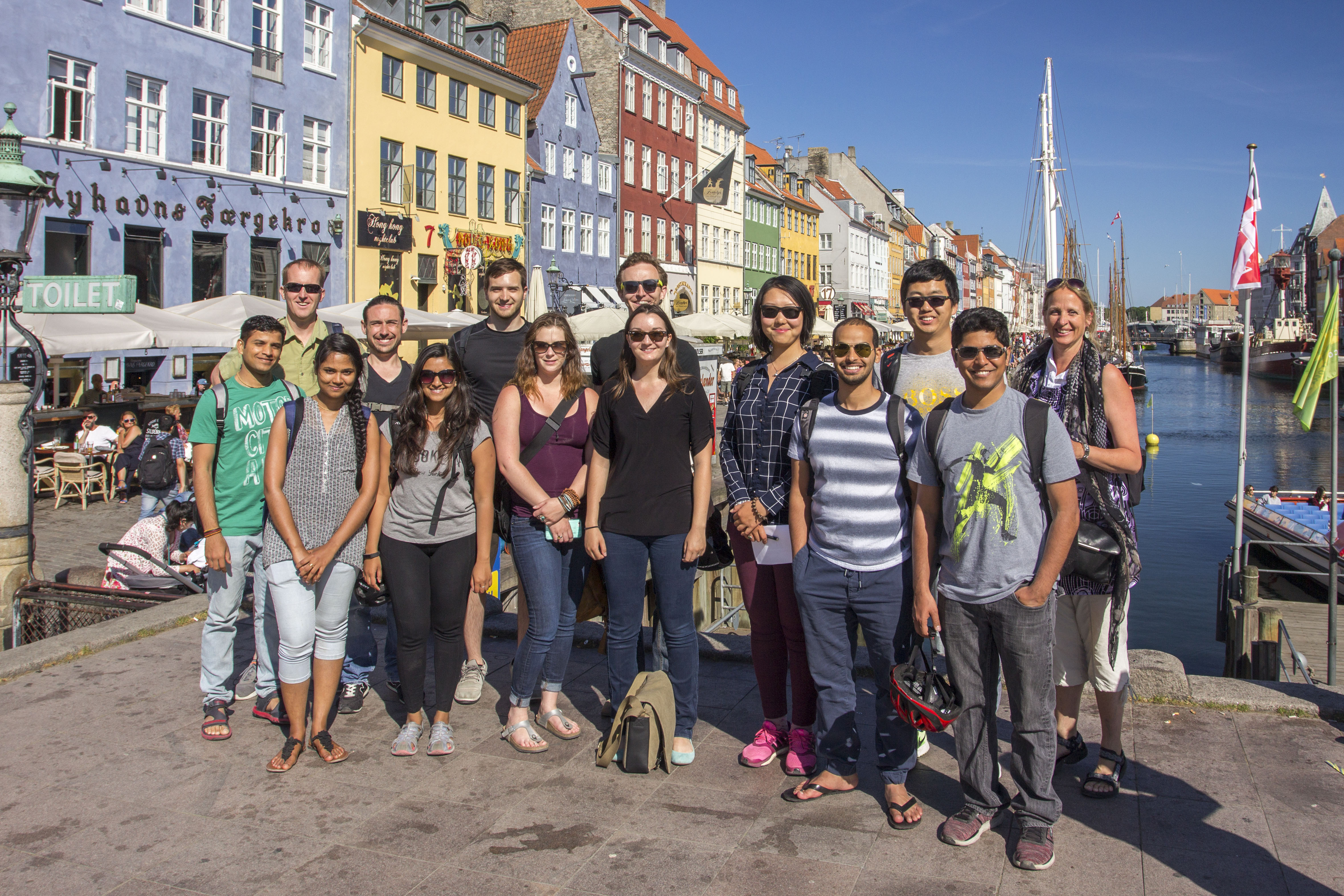 Leila_with class of SU2016_study abroad
