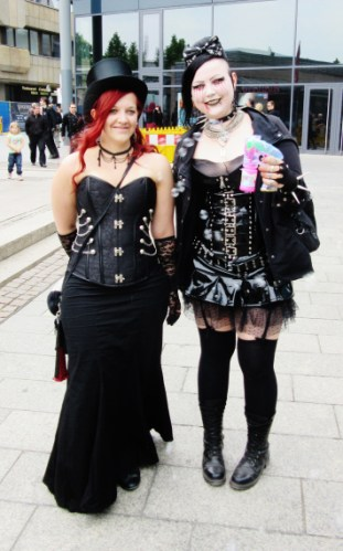 Wave-Gotik-Treffen-2016-Photos-by-Ana-Ribeiro-and-Alla-Kliushnyk-24.jpg?fit=311%2C500&ssl=1