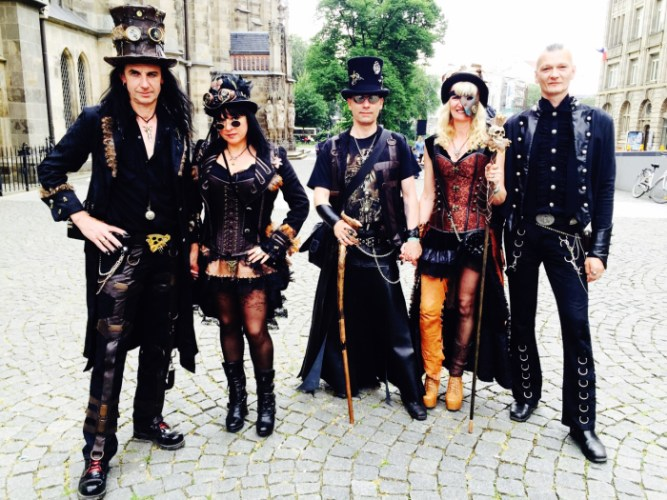 Wave-Gotik-Treffen-2016-Photos-by-Ana-Ribeiro-and-Alla-Kliushnyk-86.jpg?fit=667%2C500