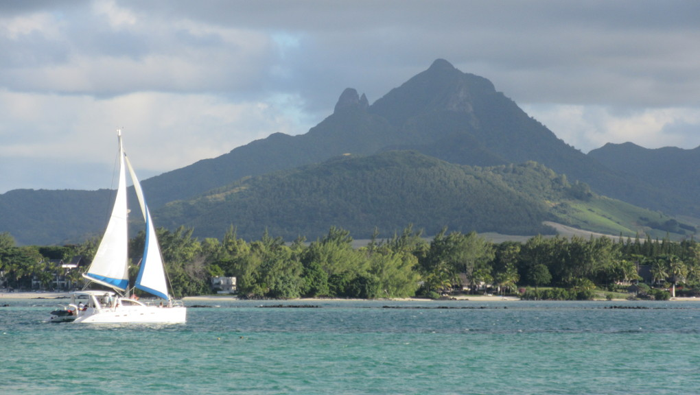 Bay in Trou d'Eau Douce, Mauritius. (Photo: Maximilian Georg)