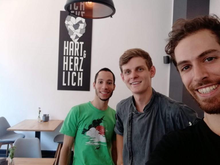 Alex Yacine, Niklas Wendler and Taylor Harvey during interview at Hart und Herzlich.