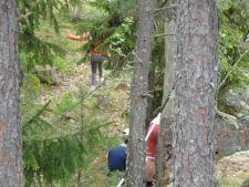 Geokätköjä etsiessä ehtii havannoida myös leirikoulualueen rikasta luontoa ja ympäristöä