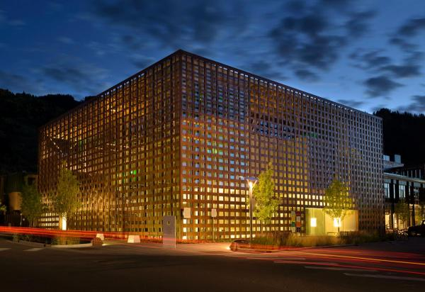 Video Shines Light Shigeru Ban' Aspen Art Museum