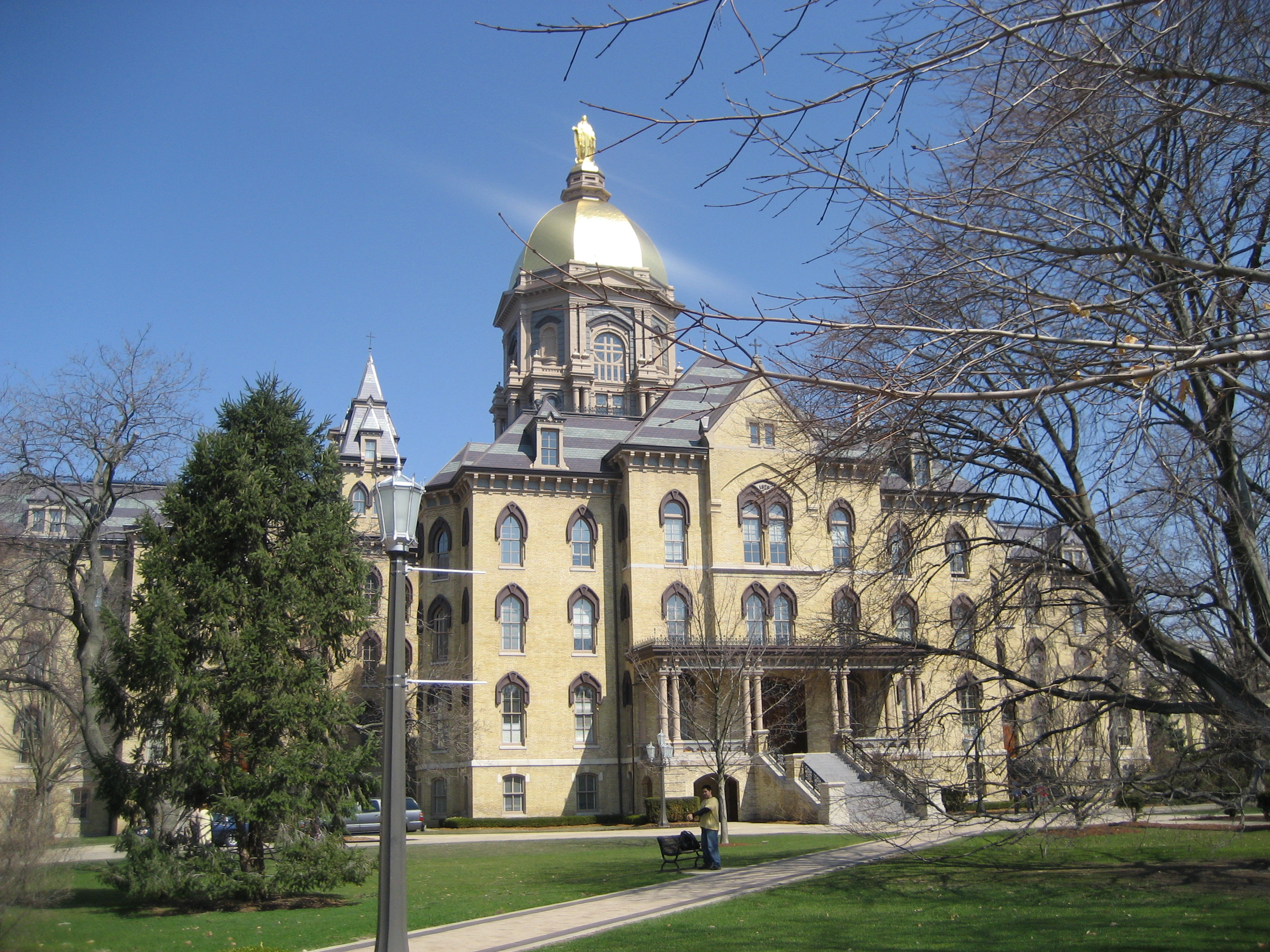 The Main Building at Notre Dame on a particularly gorgeous day