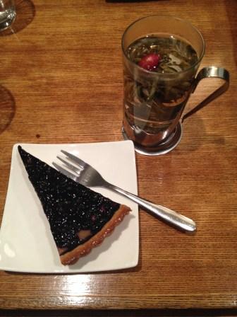Thé au Jasmin et tarte aux myrtilles