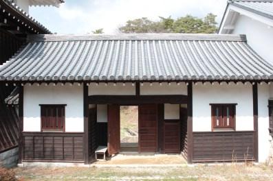 Ruines du château d'Iwamura - Portes menant au château