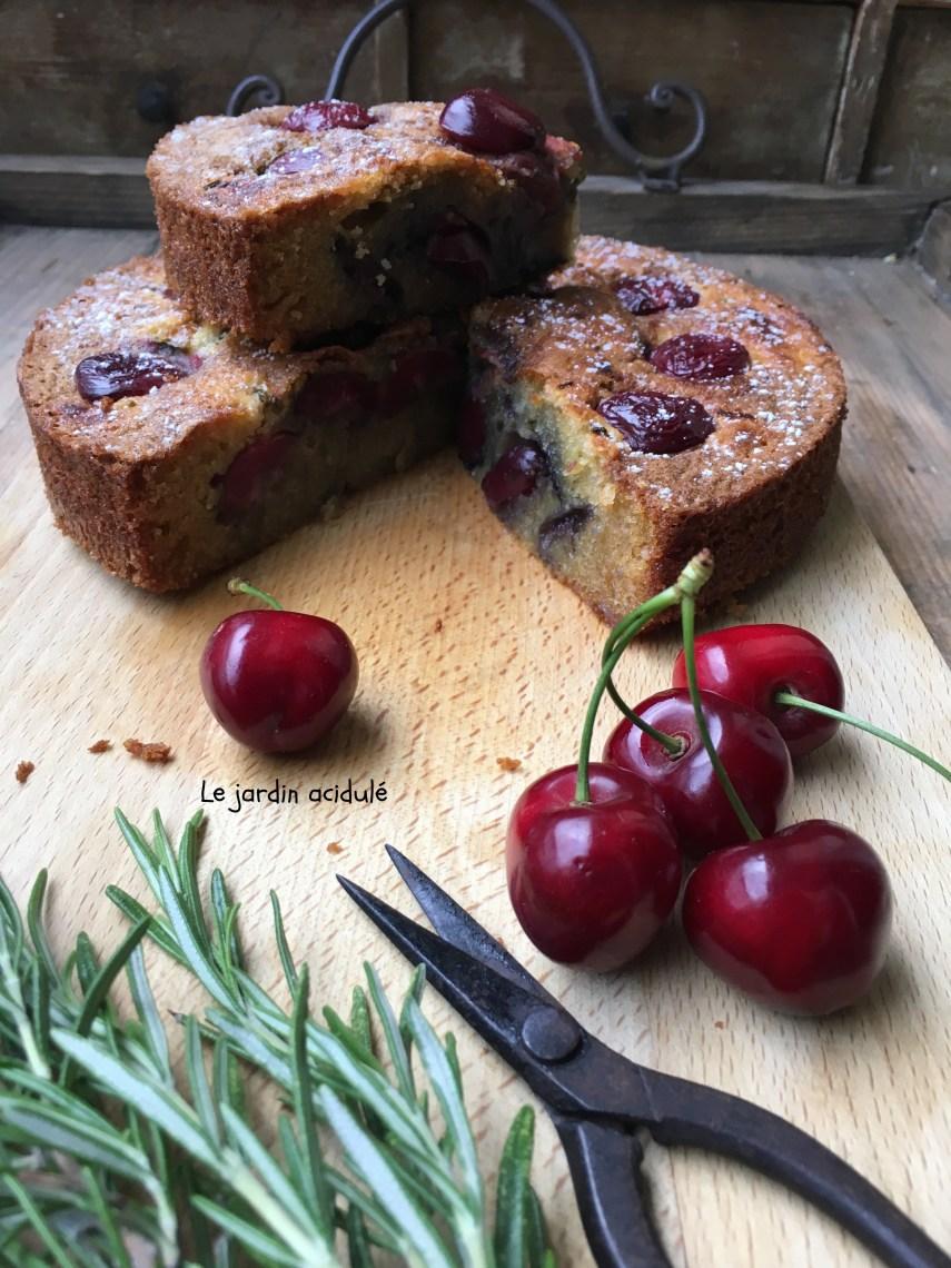 Gâteau huile d'olive cerises romarain 10