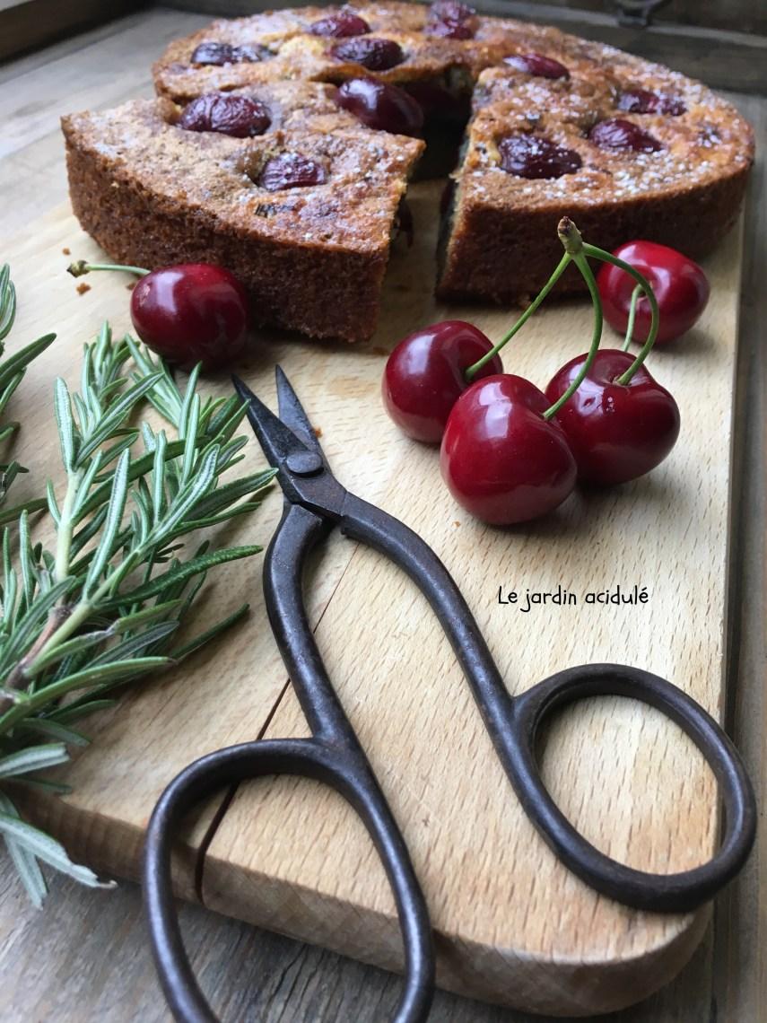 Gâteau huile d'olive cerises romarain 11
