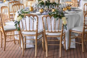Le Jardin d'Audrey - Flowers Bride and Groom chairs