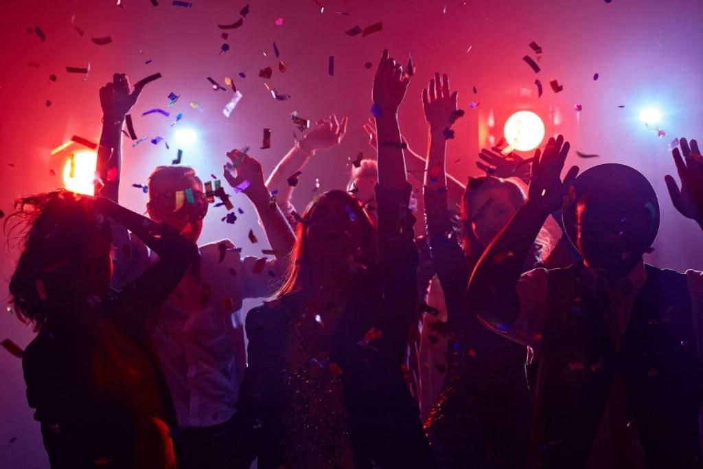 comment s'amuser en soirée sans  prendre de risque avec le déconfinement