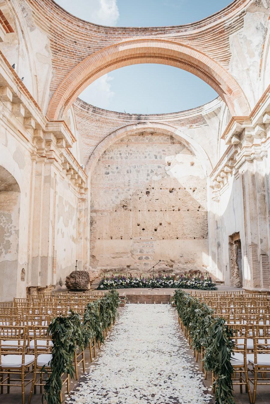 weddings in Guatemala, Ruins of Santa Clara in Guatemala , outdoor weddings, weddings in Guatemala