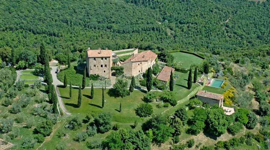 Castello Di Vicarello in Italy, weddings in Italy, wedding venue in Italy