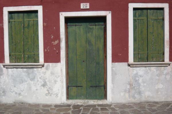 façade de maison à Burano
