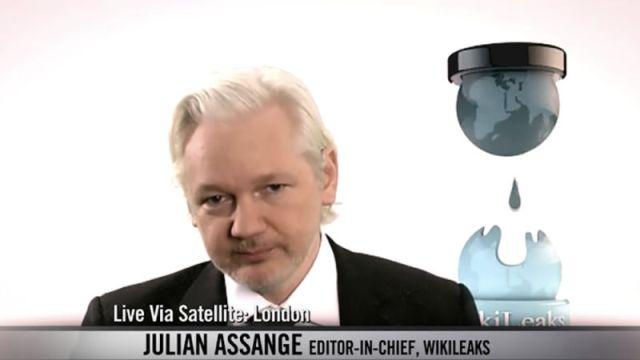 Julian Assange lors de son passage sur HBO en Août 2016 - HBO