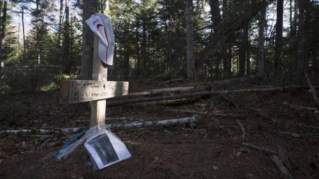 Globe Magazine / Benjamin Keller - Le campement ou Gerry Largay est morte