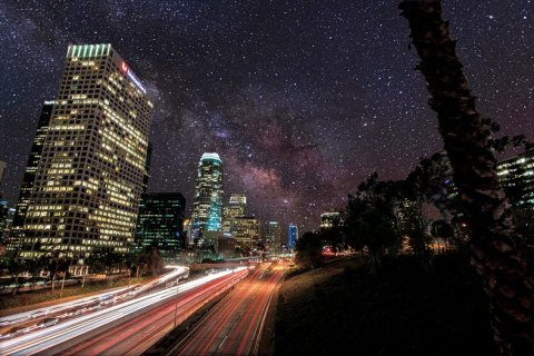 À quoi ressemblerait le ciel la nuit sans pollution visuelle? (2.40)