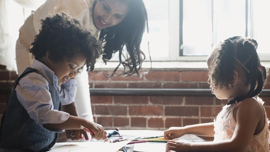 Parentalité en entreprise : Comment innovent les RH sur la garde des enfants de leurs collaborateurs ?