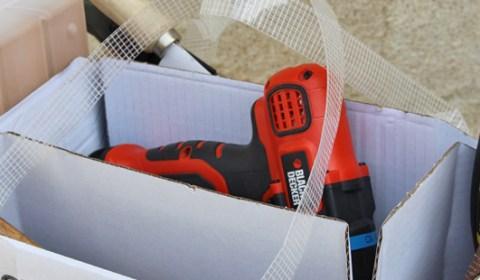 Make a tool box from the FARGRIK packaging // IKEA Hacking - DIY // Faire une boite à outil à partir de l'emballage de FARGRIIK