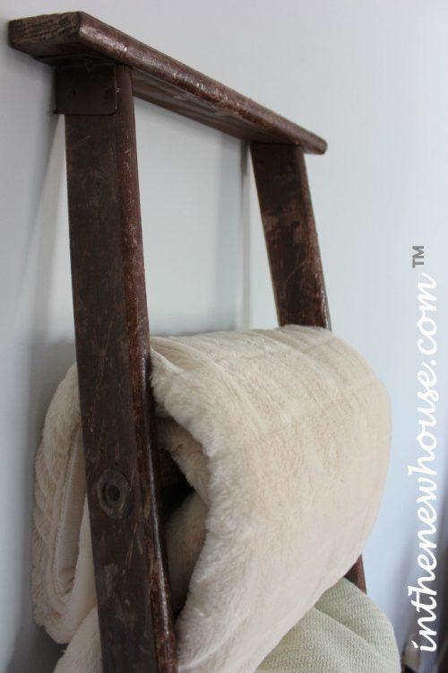 vintage-blanket-ladder-rustic-683x1024