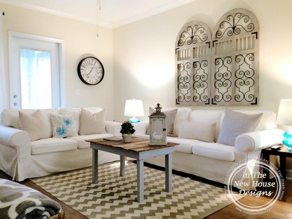 Tour Salinas Home Living Room Conversation Area