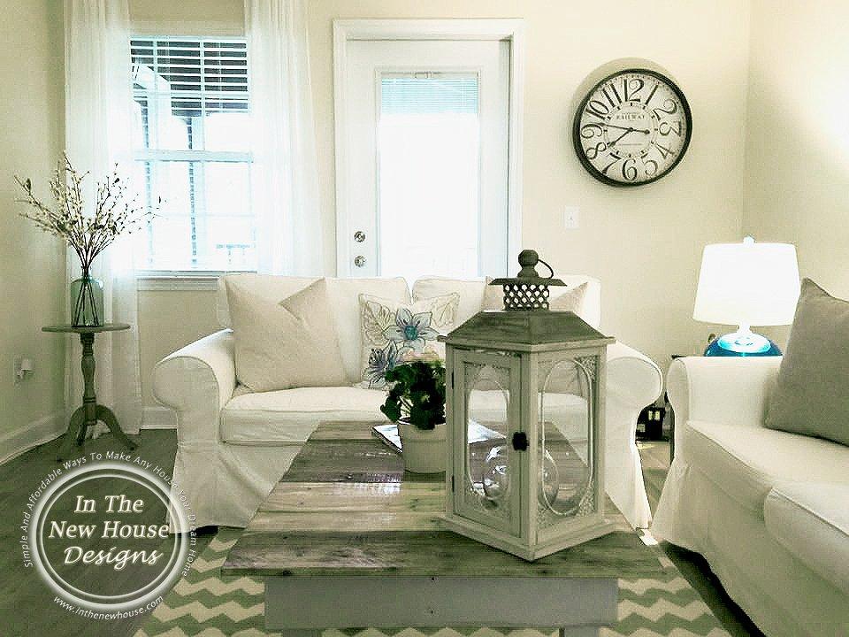 Tour Salinas Home Living Room