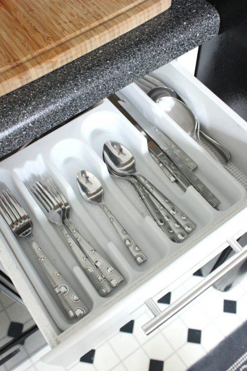 how to deep clean silverware