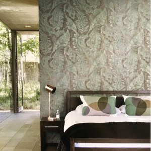 Seabrook Wallcoverings Metallika Glisten Paisley Wallpaper Roomset