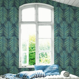 MB30004 Seabrook Wallcovering Beach House Paradise Palm Wallpaper Tropic Midnight Room Setting