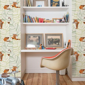 DA61204 Seabrook Wallcovering Day Dreamers Jungle Tiger Wallpaper Green Room Setting