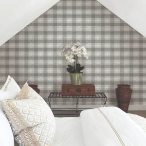 FH4081 York Wallcoverings Simply Farmhouse Woven Buffalo Check Wallpaper Grey Room Setting
