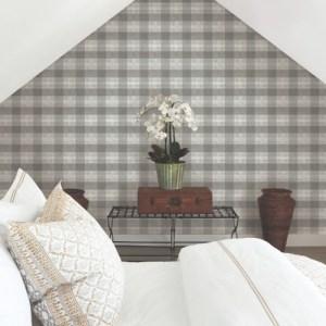 FH4081 York Wallcoverings Simply Farmhouse Woven Buffalo Check Wallpaper Grey Room Setting