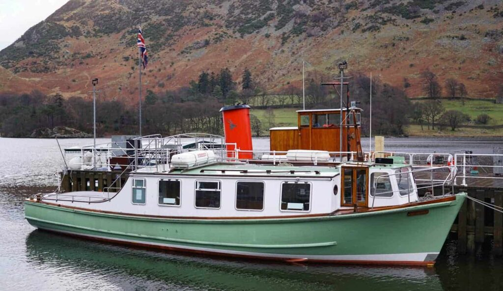 Ullswater Steamer. Where to find family friendly accommodation in the Lake District
