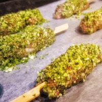 Beef and broccoli skewers