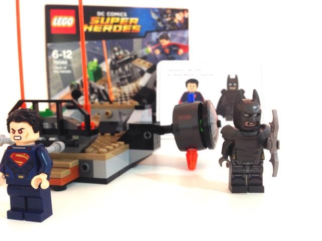 LEGO le combat des Héros - Référence 76044 (environ 15 €)